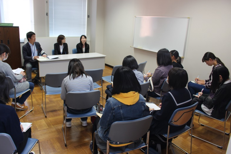 第2部の生徒と講師の座談会